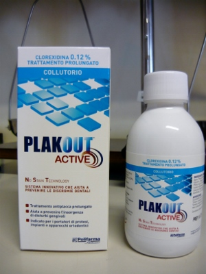 PlakOut Active colluttorio alla Clorexidina allo 0,12%