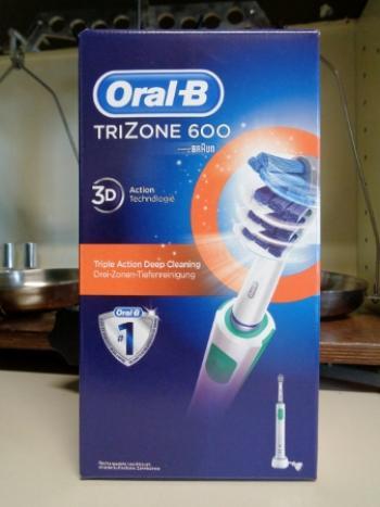 ORALB TRIZONE 600 3D Technology spazzolino elettrico